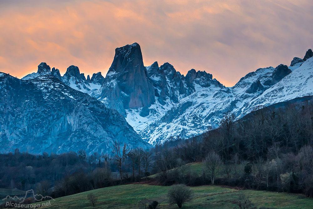 Poo De Cabrales Mirador Naranjo Bulnes Asturias Picos De Europa
