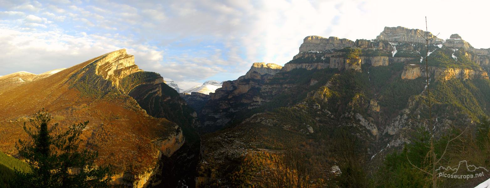 Panor mica del ca on de a isclo parque nacional de ordesa for Mirador del pirineo