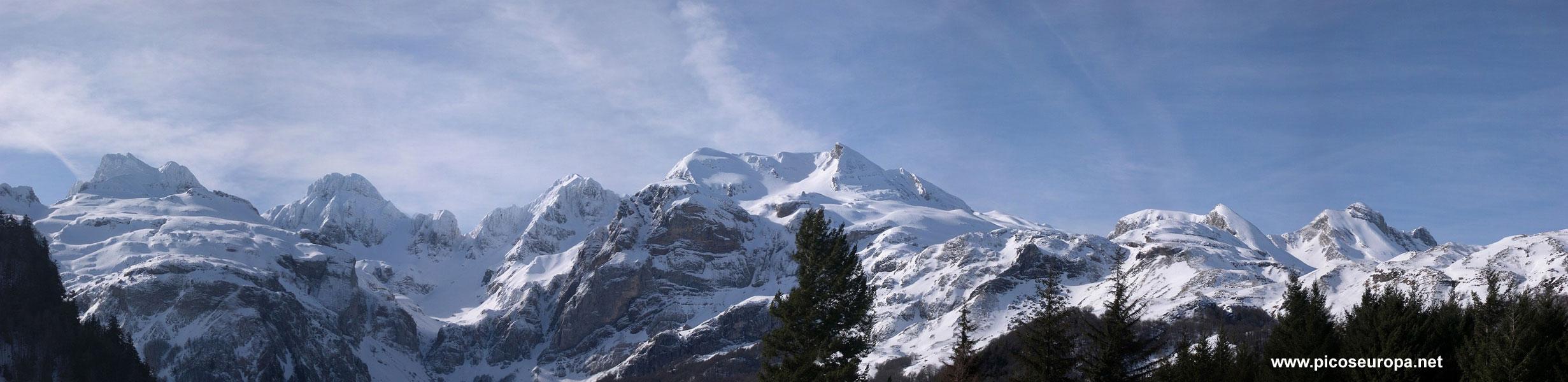 Panor mica del pico aspe pirineos huesca espa a - Casa en el pirineo ...