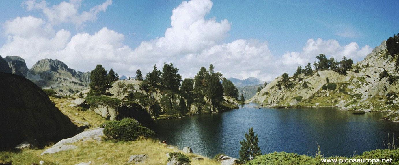 Panor mica del estany llong pirineo catalan catalunya - Casas rurales en el pirineo catalan ...