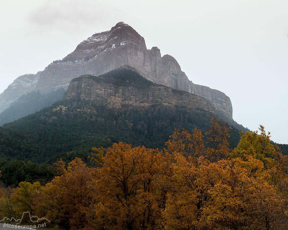 Pe a oroel mirador de los pirineos de huesca arag n for Mirador del pirineo